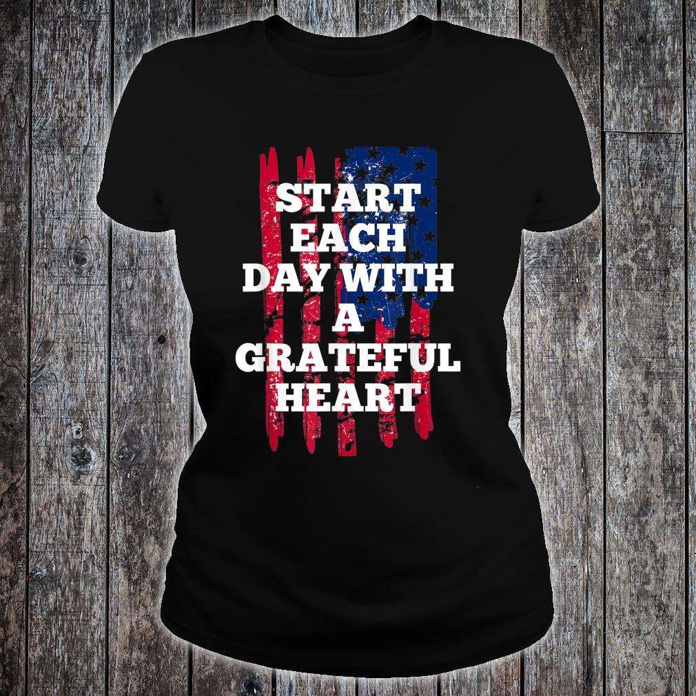 Start Each Day With A Grateful Heart Christmas Shirt ladies tee